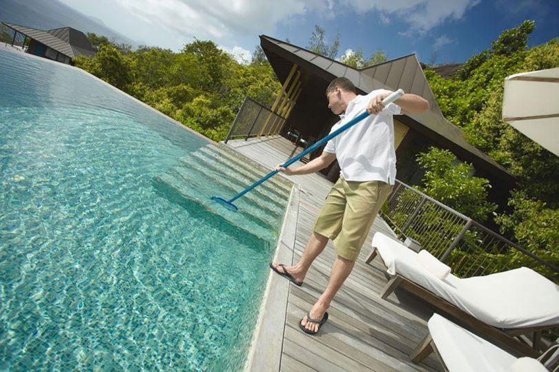 Entretenir régulièrement la piscine